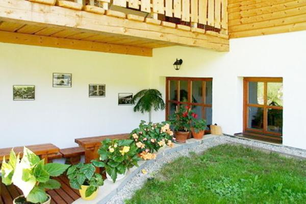 Ubytování na Šumavě - Penzion v Kubově Huti na Šumavě - venkovní posezení